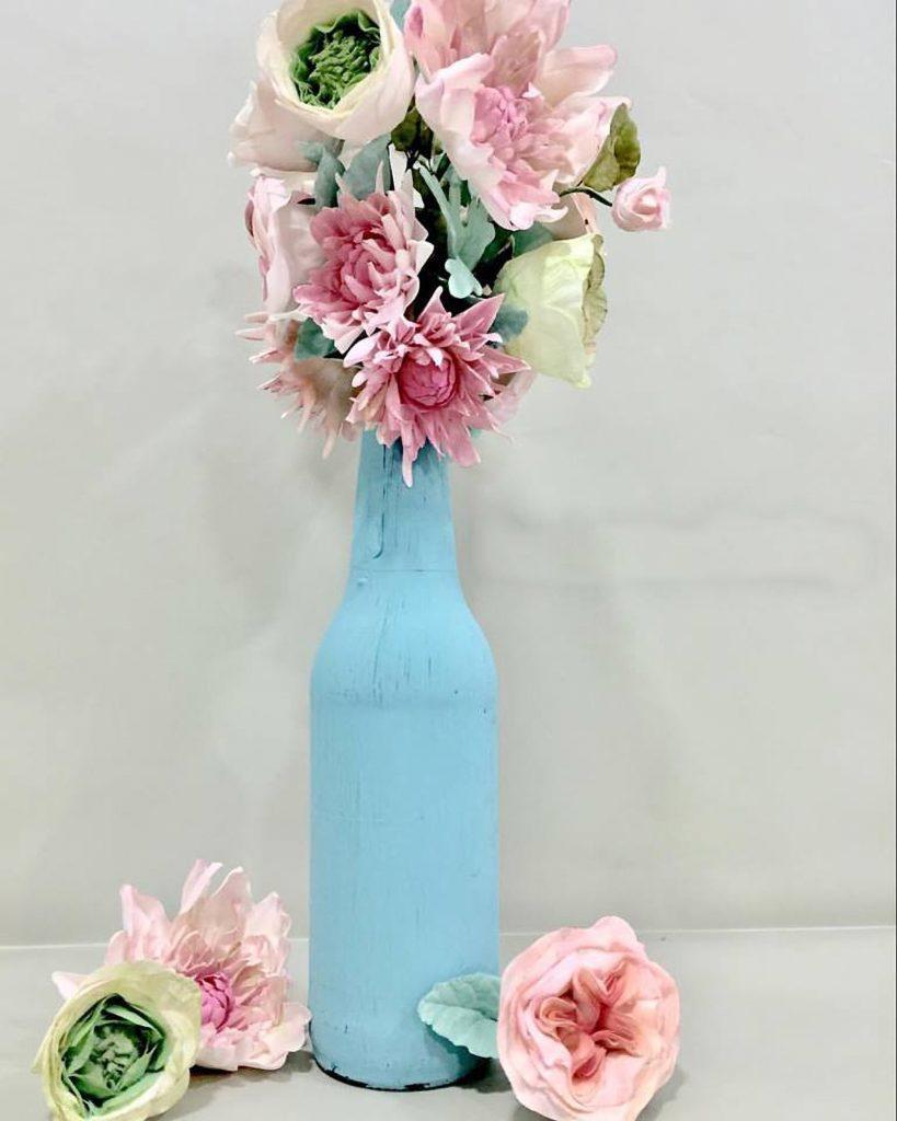 dahalias ranunculus austin rose sugarpaste ponona cakes turquoise bottle chalk paint botella turquesa flores de azucar