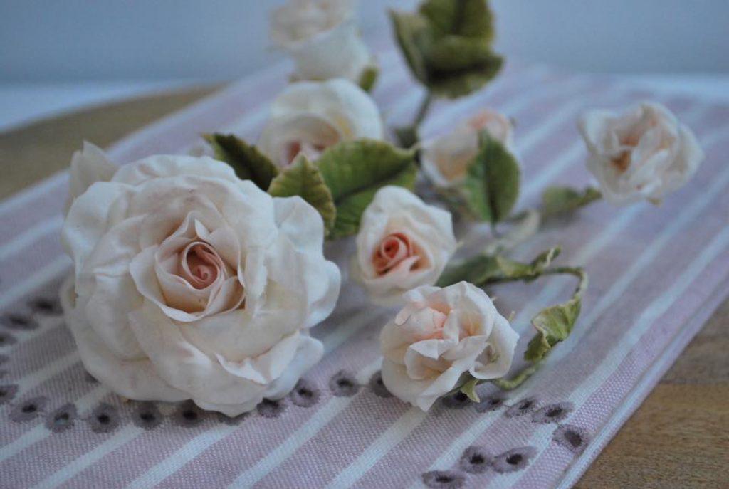 sugarpaste roses rosas pasta de azucar ponona cakes