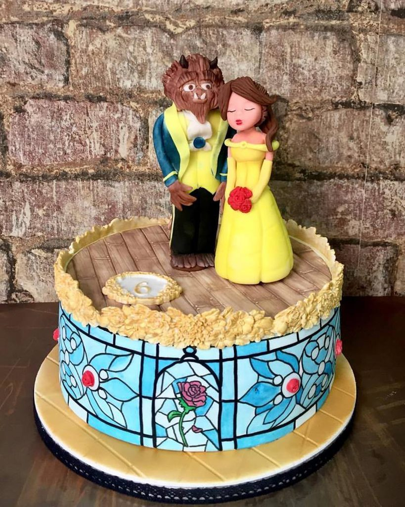 tarta bella y bestia beauty and the beast cake handpainted ponona cakes