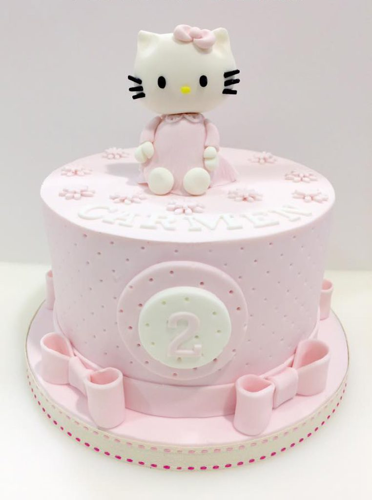 tarta hello kitty cake lazos rosa niña ponona cakes